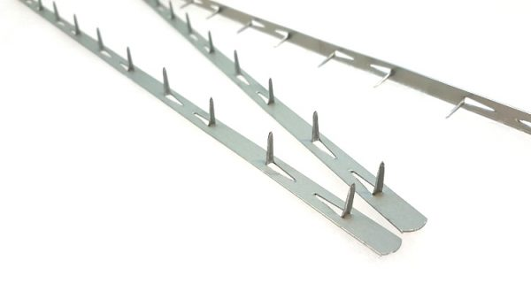 OVelvet Edge Metal Tacking Strip